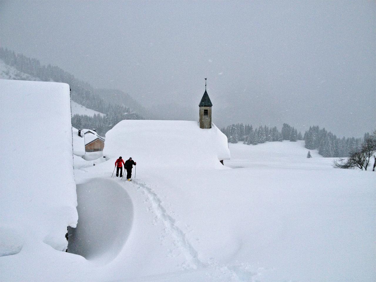 Activiteiten - Sneeuwwandelen Ubine