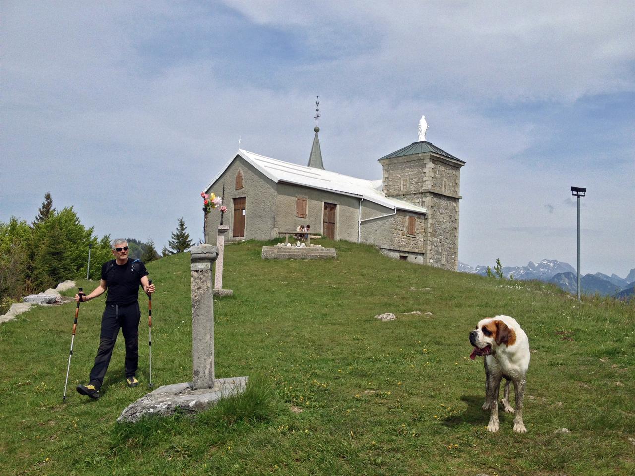 Activiteiten - Wandelen bij kerkje