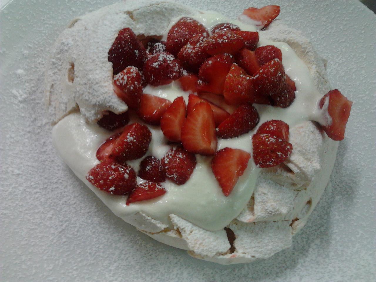 Eten - Pavlova met aardbeien