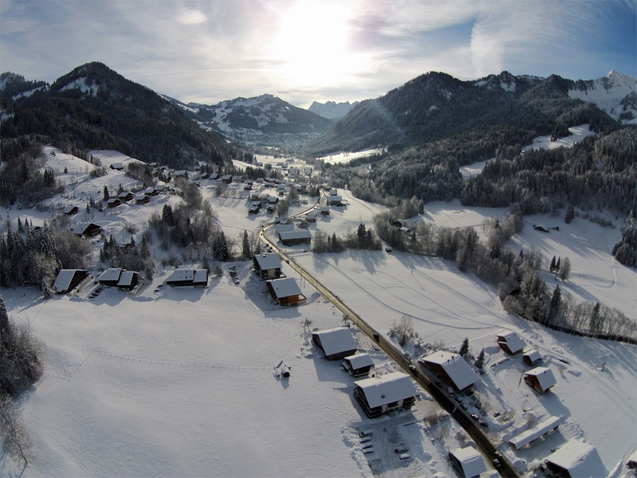 Omgeving - UItzicht vallei in sneeuw